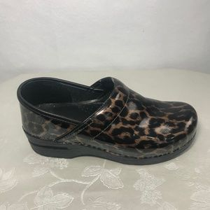 dansko iridescent leopard